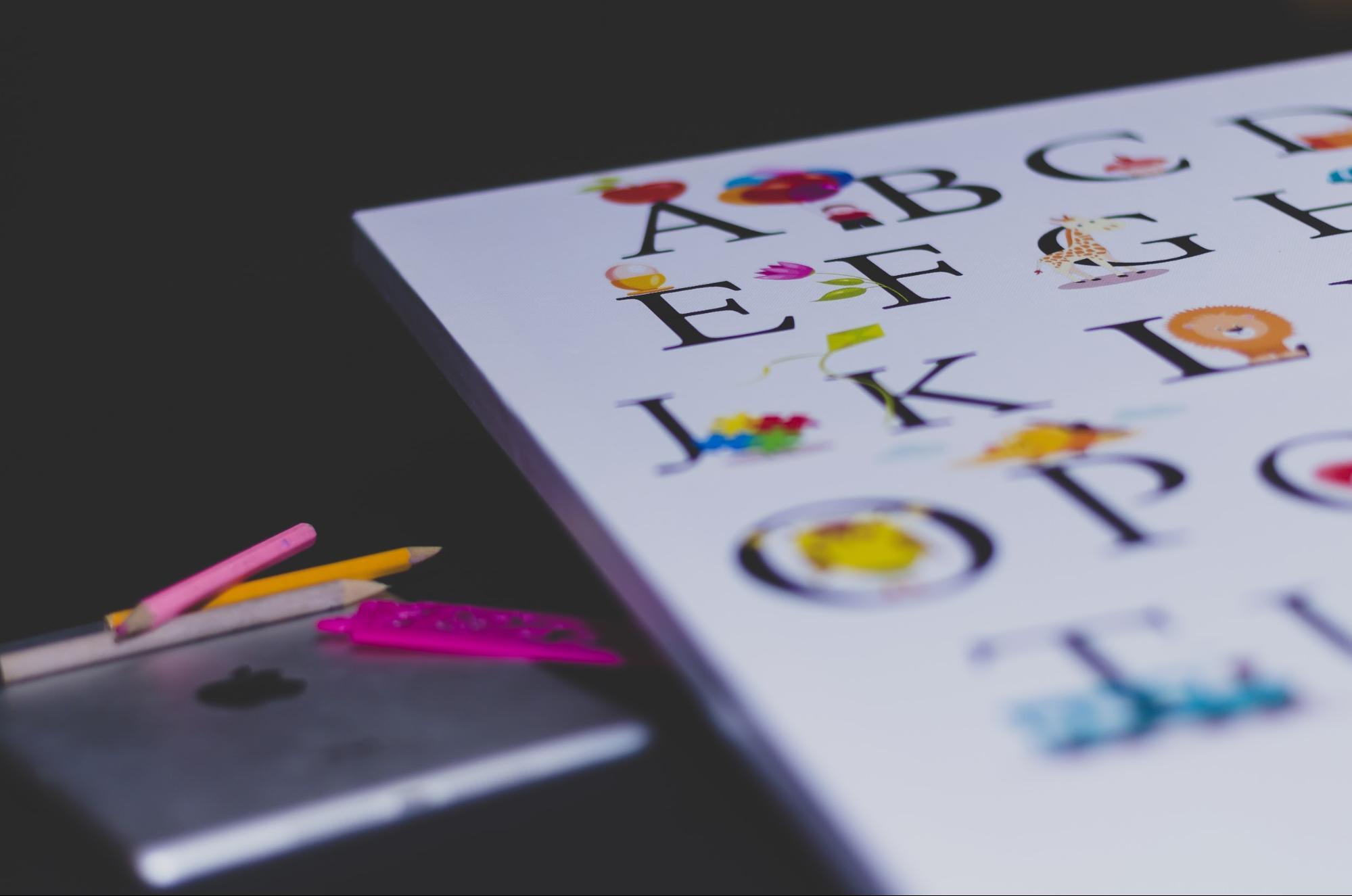 Alphabet picture book for beginner readers
